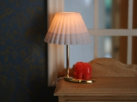 Red elephant table lamp wire