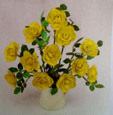 Roses yellow dollshouse