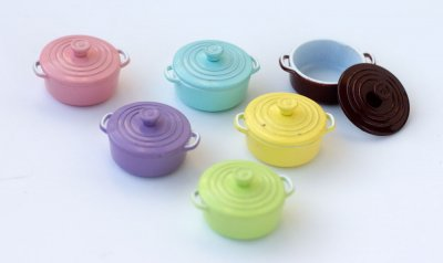 le_creuset_dollshouse_miniatures
