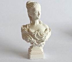 Lady statue- hard casting plaster